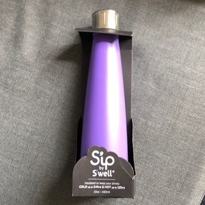 Sip by S'well insulated Bottle in Purple Candy